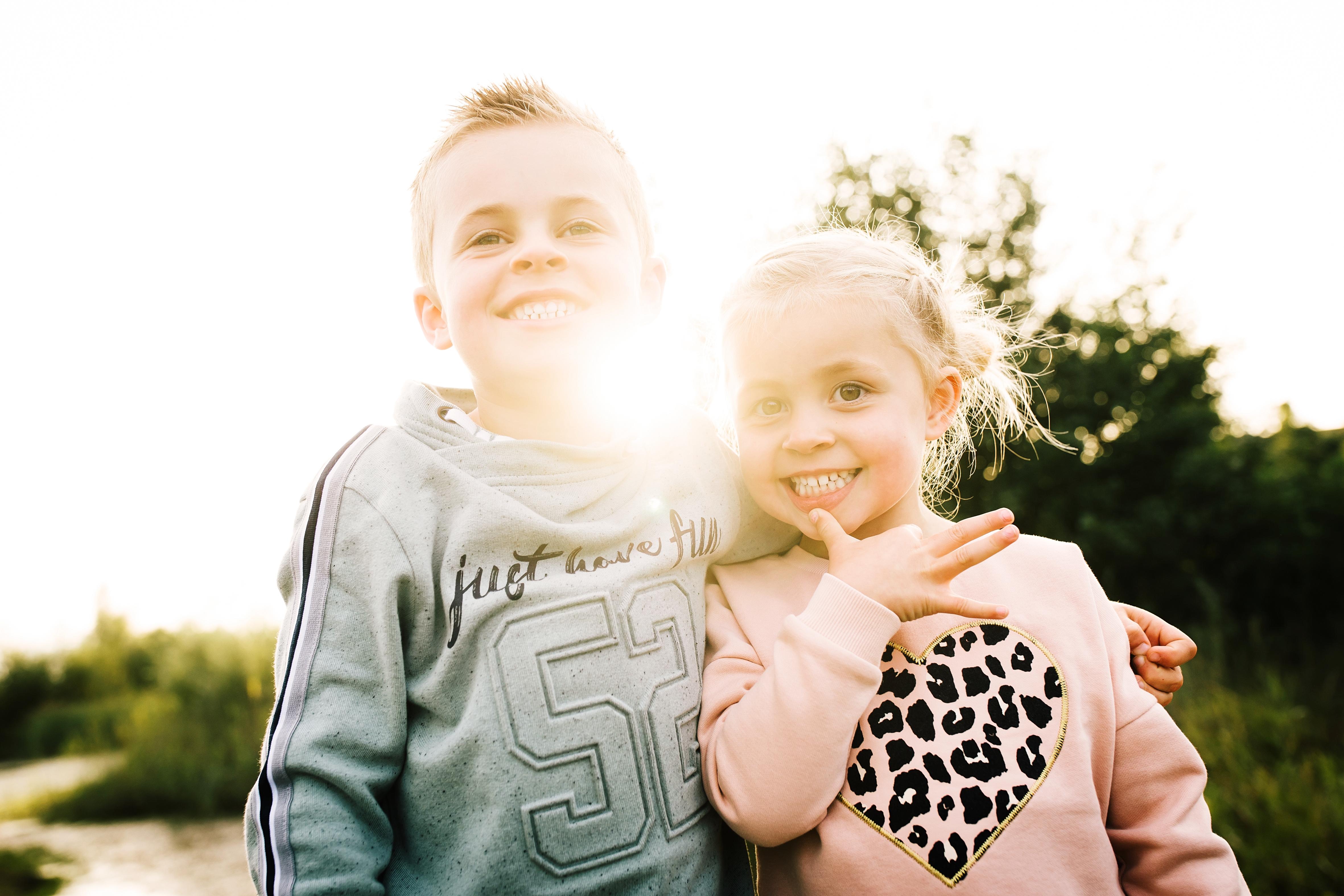 broer en zus, tineke vonk fotografie, familiefotograaf